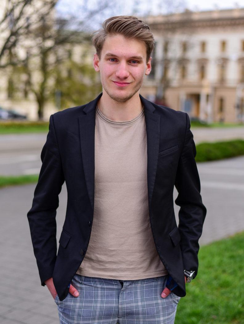 Viktor Kadeřábek
